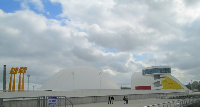 Oscar Niemeyer International Cultural Centre, by Ria de Avilés