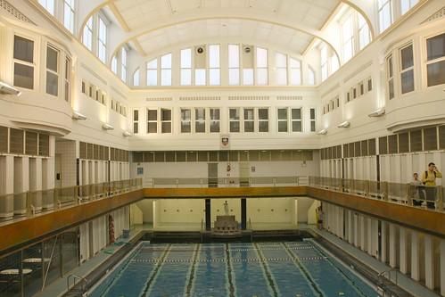 Belgique bruxelles piscine de saint josse ten noode for Piscine bruxelles