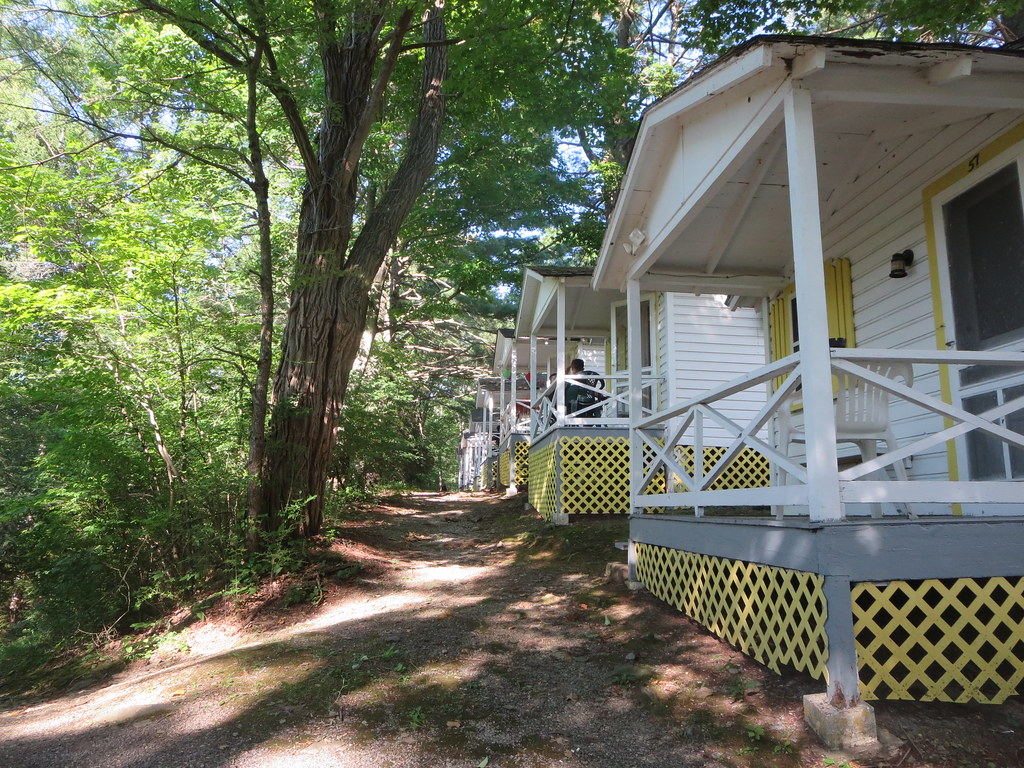 cottages at the rainbow mountain resort 210 mt nebo road e…   flickr