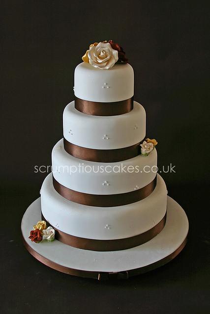 wedding cake 547 ivory chocolate gold sugar roses flickr. Black Bedroom Furniture Sets. Home Design Ideas