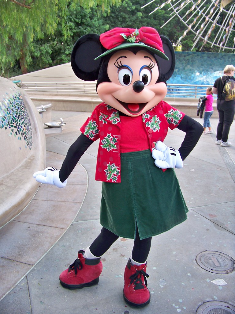 Minnie Mouse In Her California Christmas Clothes Loren
