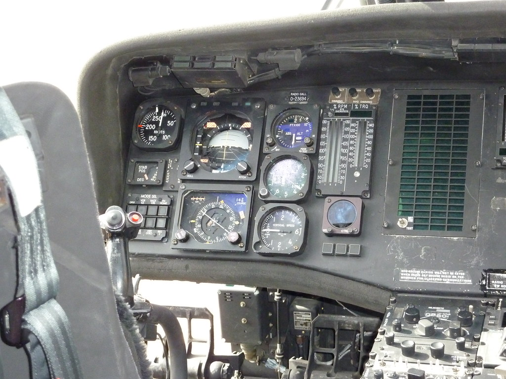 Pics For > Blackhawk Helicopter Cockpit