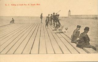 St joseph mi 1914 lake michigan lighthouse and town pier p for St joseph michigan fishing report