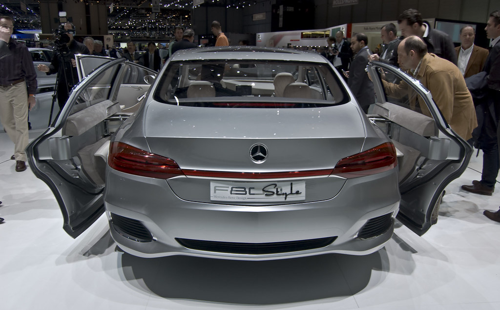Mercedes benz f800 style mercedes benz f800 style un for Mercedes benz style