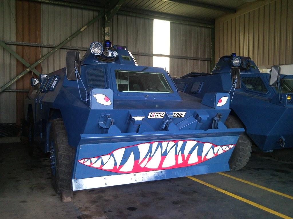 vbrg gendarmerie shark face vehicule blind roues de