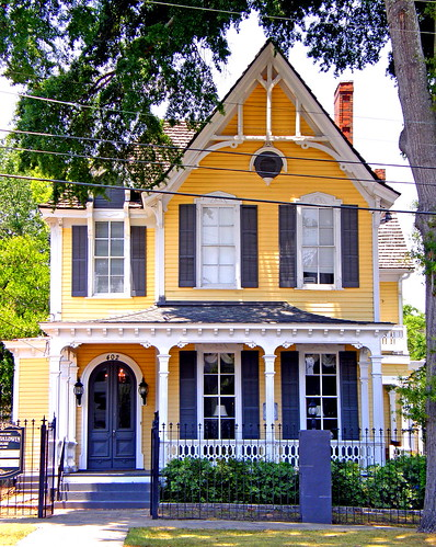 The Yellow Four Sisters House In Montgomery Alabama Flickr