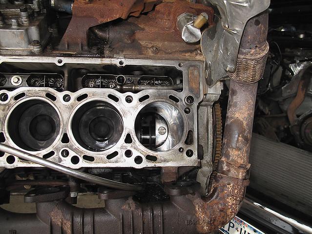 ford 6 0 powerstroke diesel engine getting piston replaced flickr. Black Bedroom Furniture Sets. Home Design Ideas