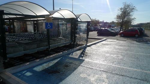 Parking handicap s de g ant salon de provence fr13 flickr for Geant salon de provence