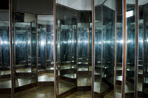 Leonardo da vinci camera degli specchi arsenale di - Specchi da camera ...