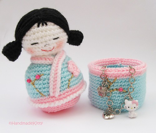 Japanese kokeshi girls jewelry box Amigurumi Crochet Patte ...