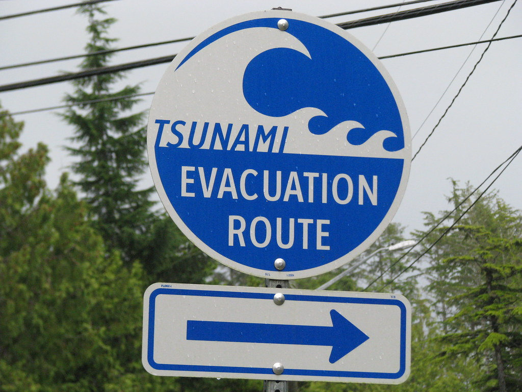 tsunami evacuation route sign sherrett flickr