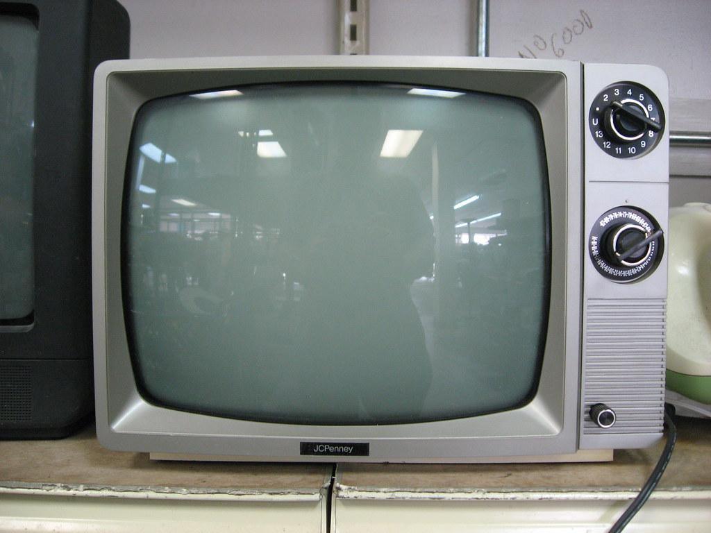 jcpenney tv 13 b w analog reception manual dials no r flickr rh flickr com