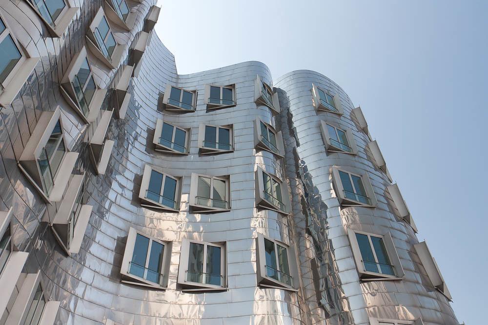 Chrome Building In Dusseldorf Brilliant Architecture Of