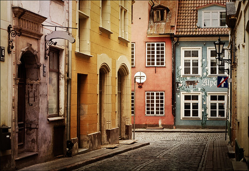 Old street in riga latvia oly flickr for Classic house green street