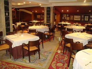 Restaurante puerta 57 madrid sal n del piso inferior flickr - Restaurante puerta 57 madrid ...