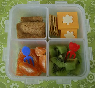 easy peasy bento | by anotherlunch.com
