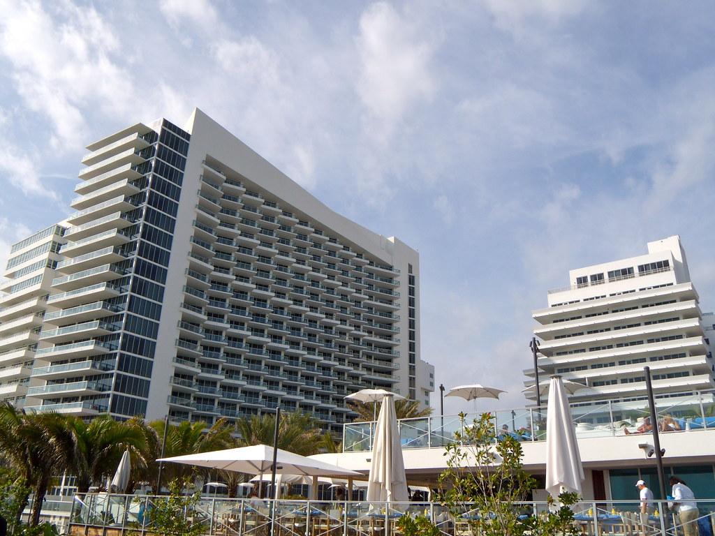 Eden Roc Beach Resort
