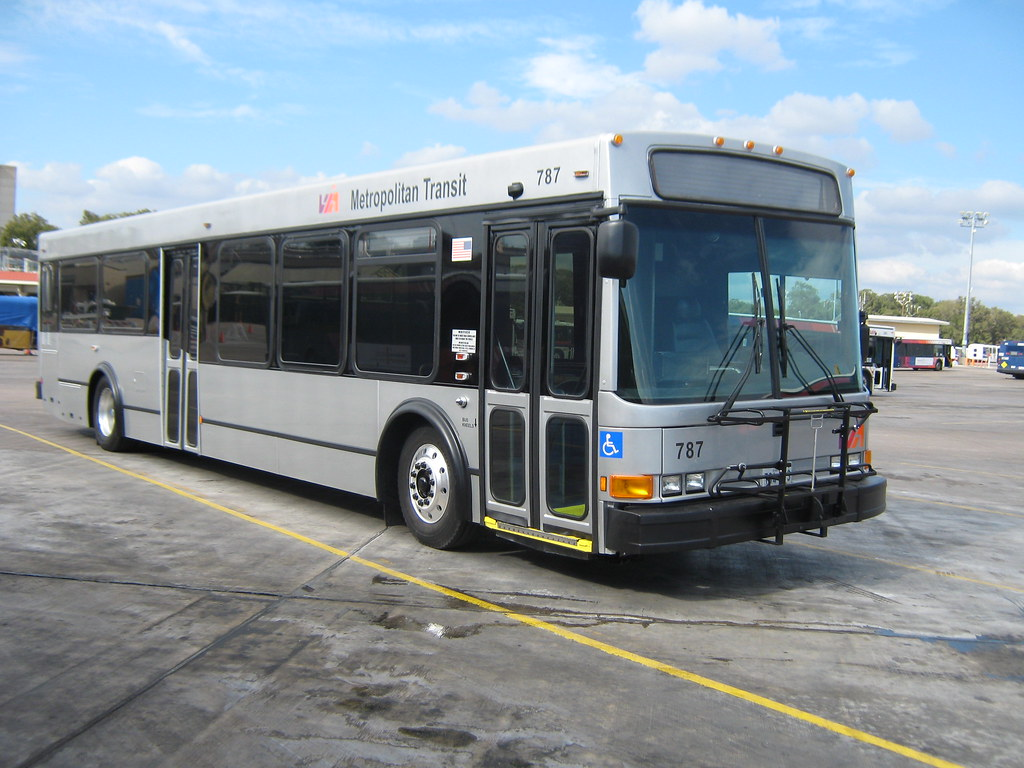 Via nabi buses 787 nabi with new paint scheme sa - Bus lyon nancy ...