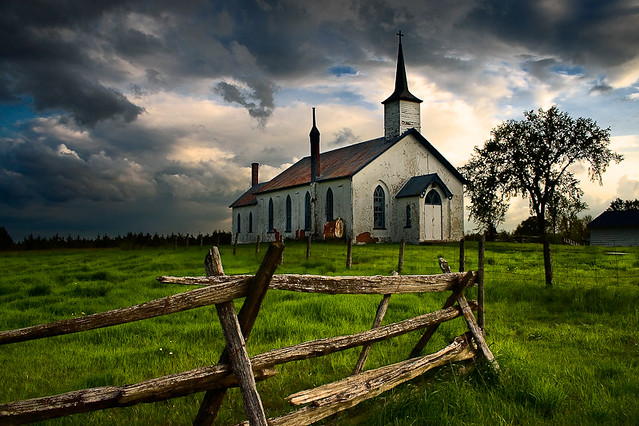 A Country Church | Storm clouds threaten rain at this ...