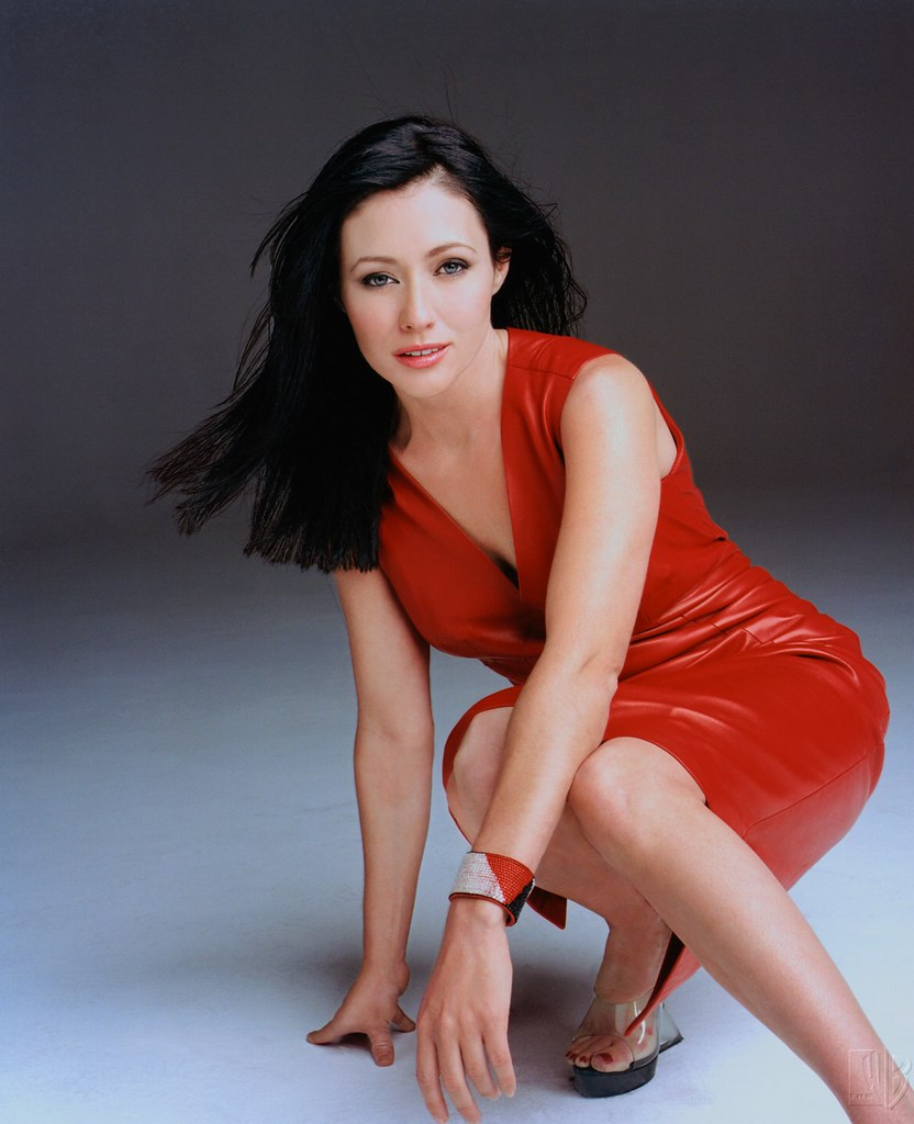 Shannen Doherty Red Leather Dress 2 Man She Is Hot