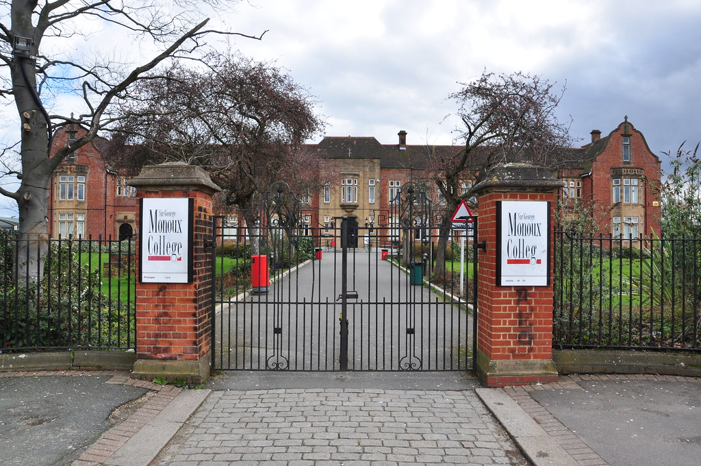 Subarban >> George Monoux College | Location: Chingford Road, Walthamsto… | Flickr