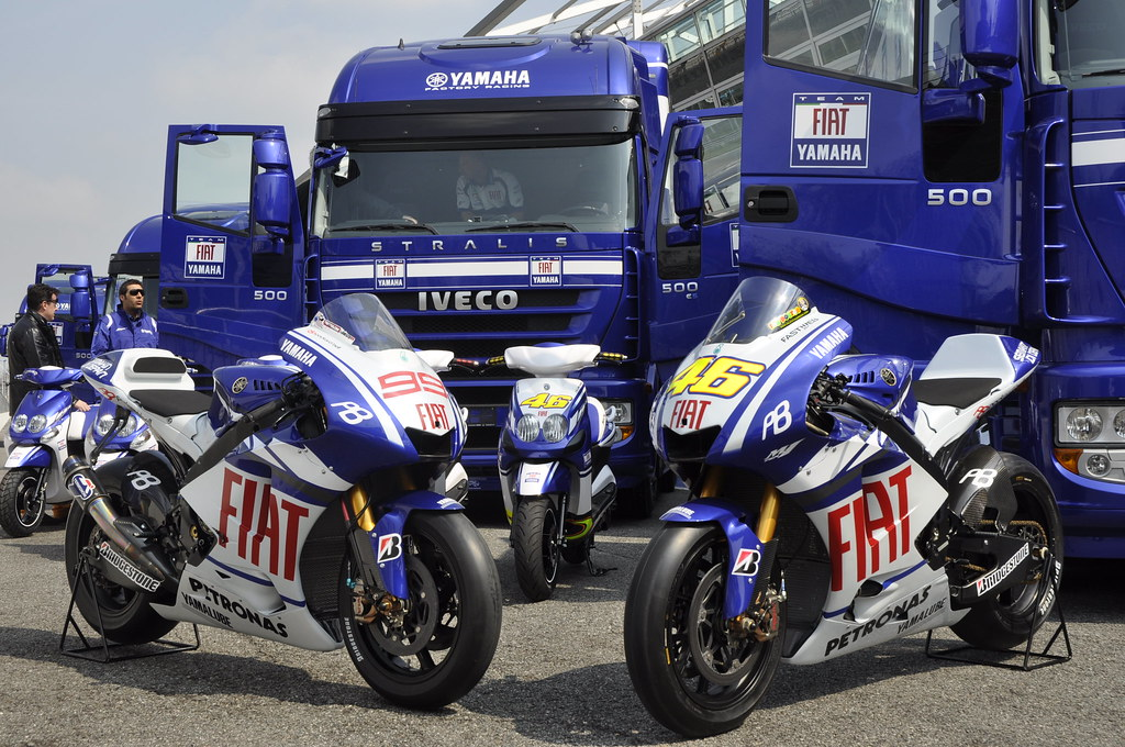 Iveco trucks and the Yamaha YZR-M1 #46 and #99 | Fiat Yamaha Team | Flickr