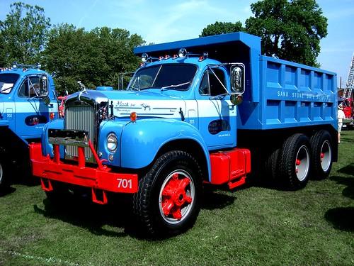 1950 To 1965 Mack Trucks : Mack b model dump truck macungie antique show