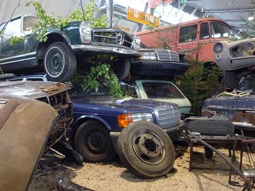 Mercedes junkyard bigblogg motoring flickr for Mercedes benz junkyard