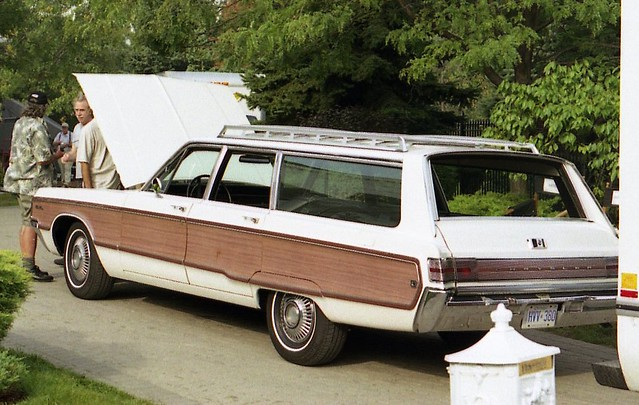 1968 chrysler town country wagon richard spiegelman flickr 1949 Chrysler Wagon 1968 chrysler town country wagon by carphoto