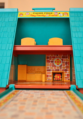 Fisher price play family a frame house i had been for A frame house prices