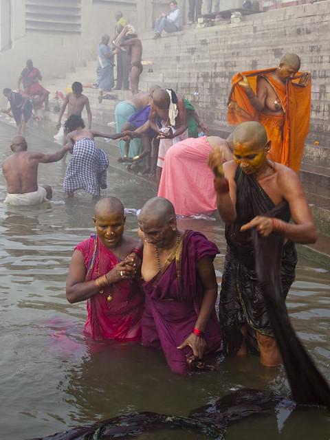 Ritual Bathing  Women From South India Take A Ritual Bath -4397