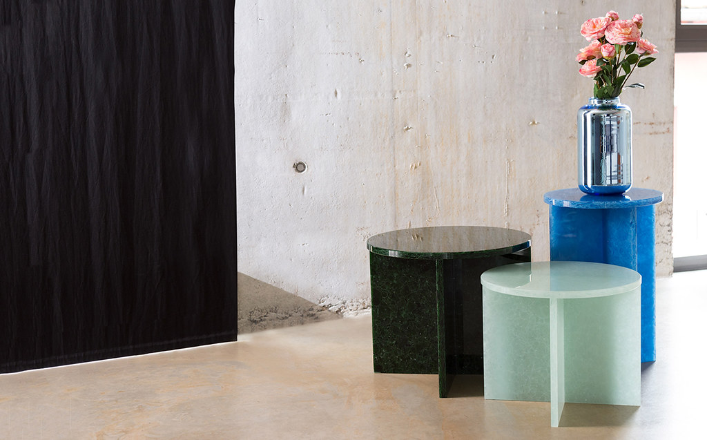 Shallow bowls and rounded coffee tables by German designer Sebastian Herkner Sundeno_13