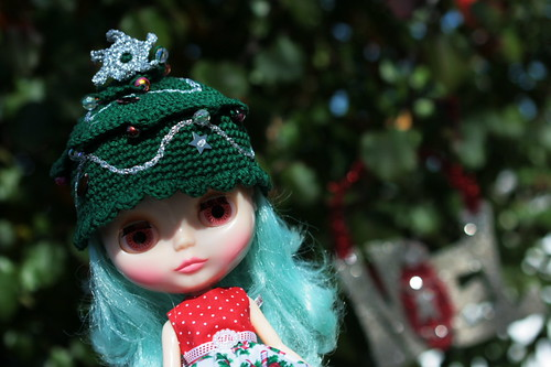 Christmas tree or Blythe??? | by The Dolly Mama