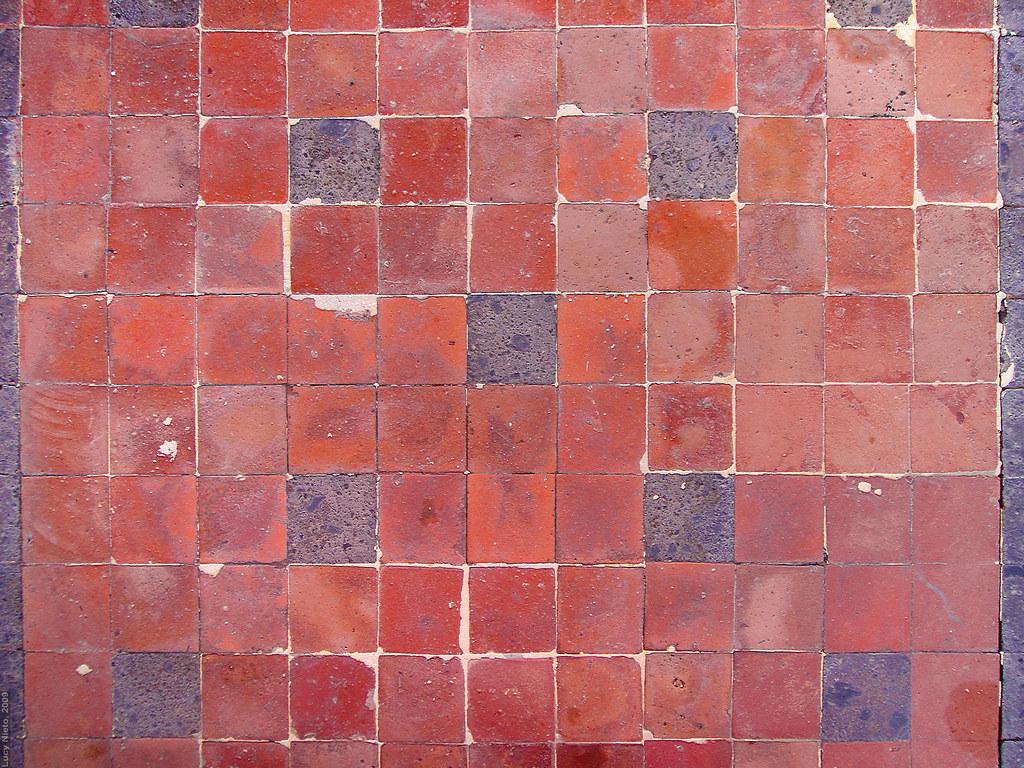 Piso de mosaico de barro qro m xico 2009 1593 lucy for Mosaico para piso