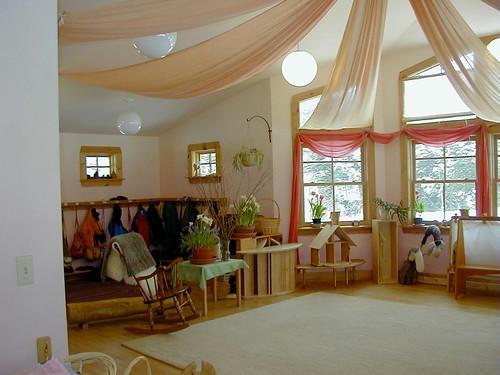Natural Classroom Decor ~ My waldorf kindergarten classroom