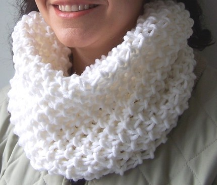 SNOW WHITE, White Hand Knitting Knitted Loop Scarf, White Hand Knitted ...