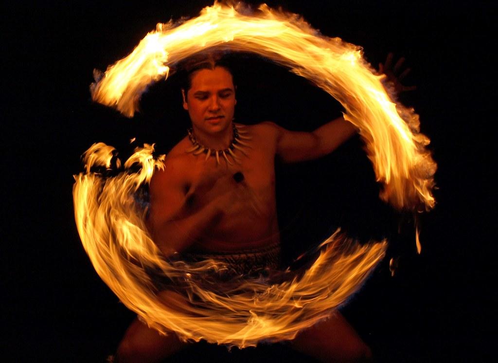 Samoan Fire Dance 2 - Maui, Hawaii | This photo shows ...