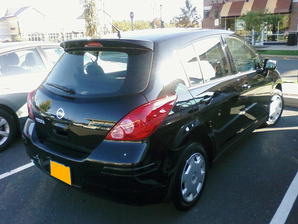 2009 nissan versa 1 8 s 4dr hatchback auto. Black Bedroom Furniture Sets. Home Design Ideas