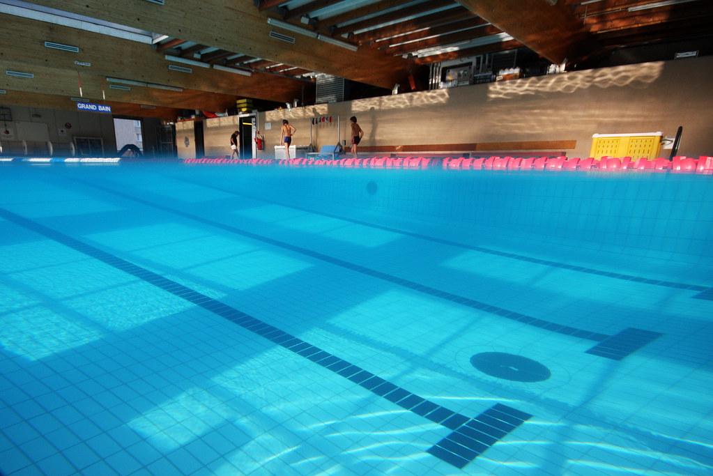 Couverture calendrier 2010 piscine pessac ascpa ch for Piscine pessac