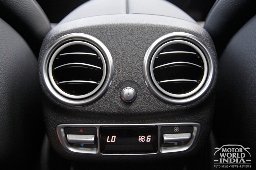 2017-Mercedes-Benz-E-Class-LWB-Interior (5)