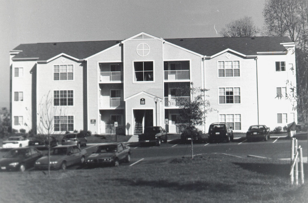 Buc Ridge Apartments
