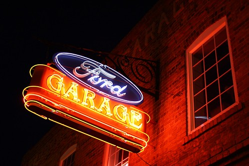 Classic ford garage neon sign micheal peterson flickr for Garage ford bretigny