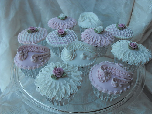 royal iced vintage cupcakes grimsby a taste of whats to co flickr. Black Bedroom Furniture Sets. Home Design Ideas