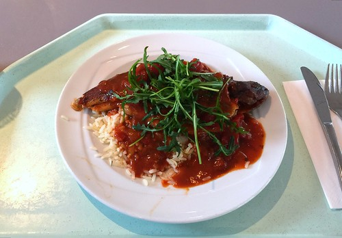 Pestrofa Plaki - Baked trout with tomato sauce & bell pepper rice / Forelle aus dem Ofen mit Tomatensauce & Paprikareis