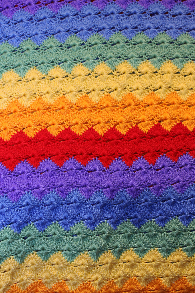 Rainbow Shells In Rows A View Of A Beautiful Shell Stitch Flickr