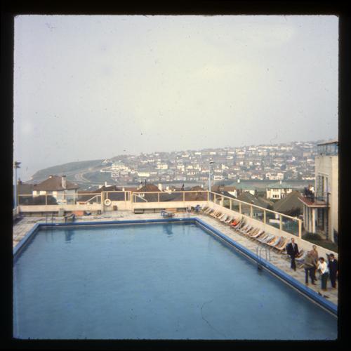 Butlin 39 S Ocean Hotel Brighton Swimming Pool Early Summer Flickr