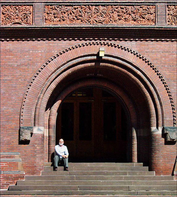 Front Foyer University : Me sitting in front of sever hall harvard university