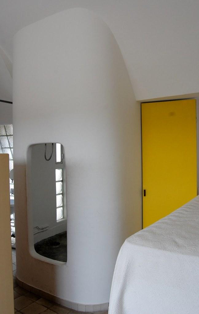 Atelier appartement de le corbusier shower compartment flickr - Appartement le corbusier ...