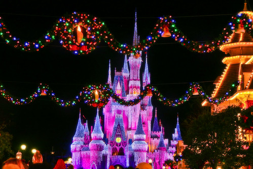 Christmas Decorations At The Magic Kingdom These