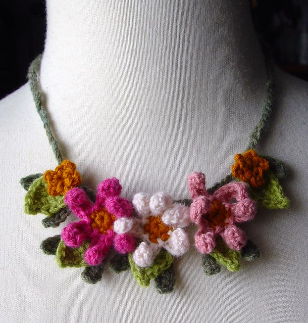 Crochet Zinnia Flower Pattern : Crochet Pink Zinnia Flowers Necklace Made from cashmere ...